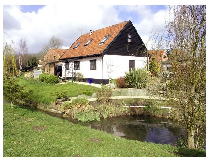 Norfolk Cottage Holidays - Click here for more about The Hayloft