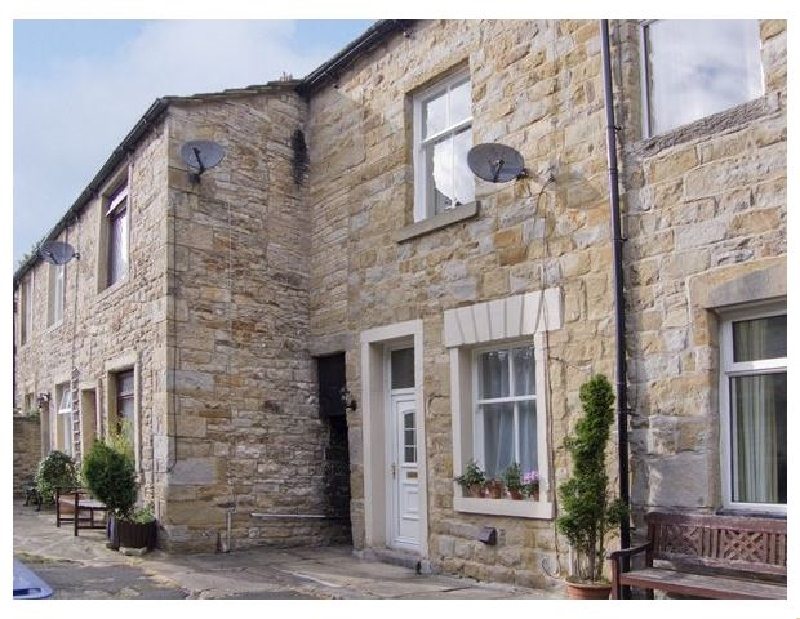 Yorkshire Cottage Holidays - Click here for more about Ermysteds Cottage