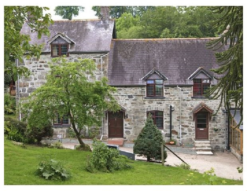 Powys Cottage Holidays - Click here for more about Rhiwlas Cottage