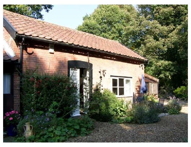 Suffolk Cottage Holidays - Click here for more about Daffodil Cottage
