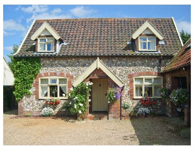 Norfolk Cottage Holidays - Click here for more about Sleepeezy