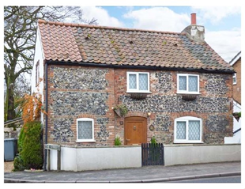 Norfolk Cottage Holidays - Click here for more about 1 Fakenham Road