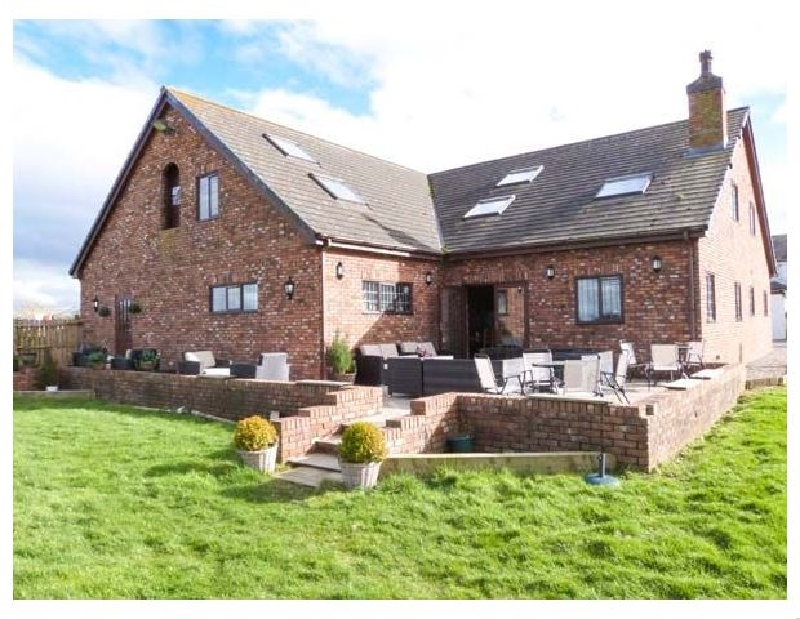 Lancashire Cottage Holidays - Click here for more about Marsh Farm Hall