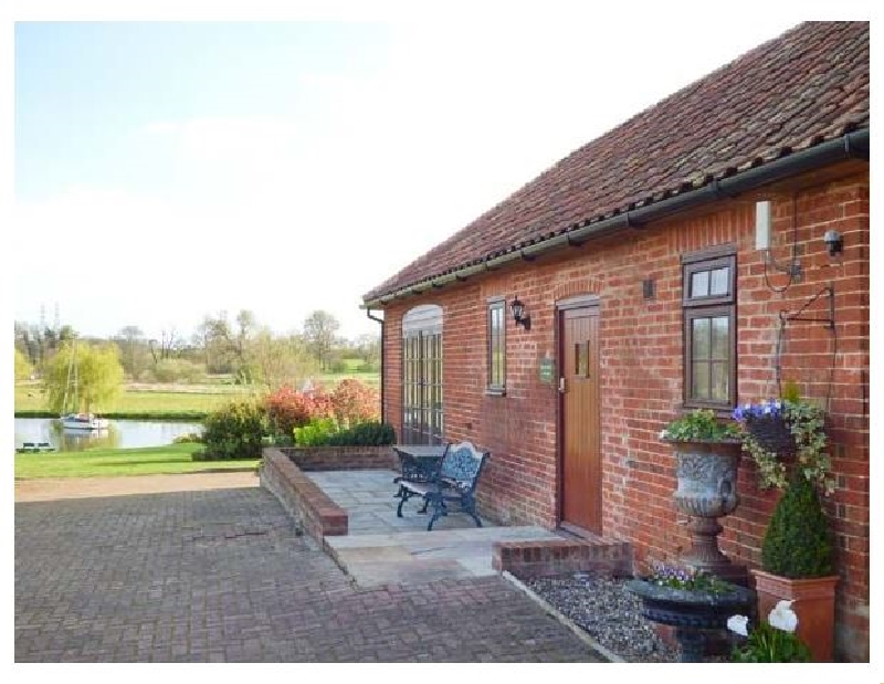 Suffolk Cottage Holidays - Click here for more about Barn Owl Cottage