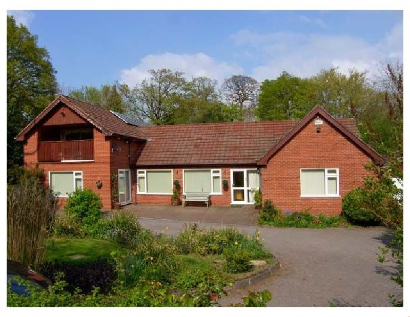 Denbighshire Cottage Holidays - Click here for more about Llys Offa