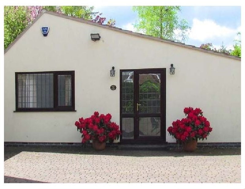 Derbyshire Cottage Holidays - Click here for more about Millers Retreat