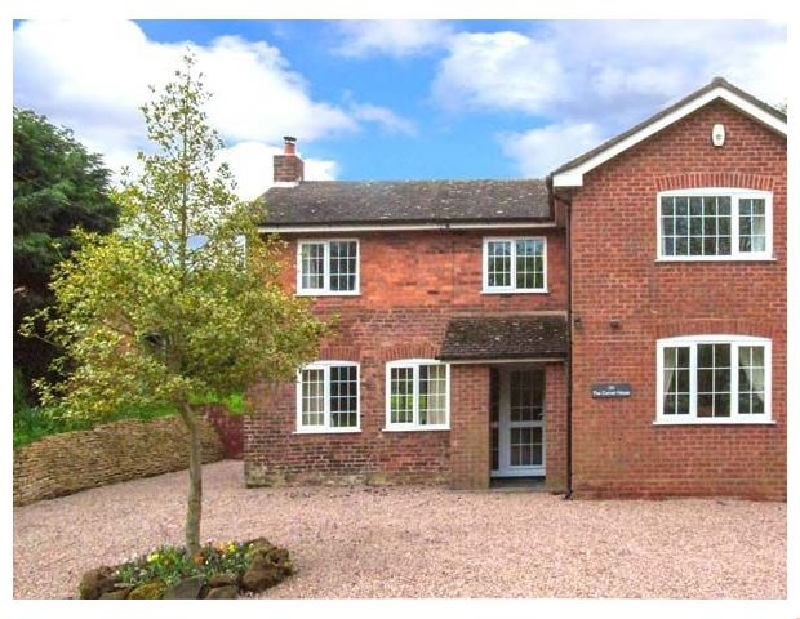 Worcestershire Cottage Holidays - Click here for more about The Corner House