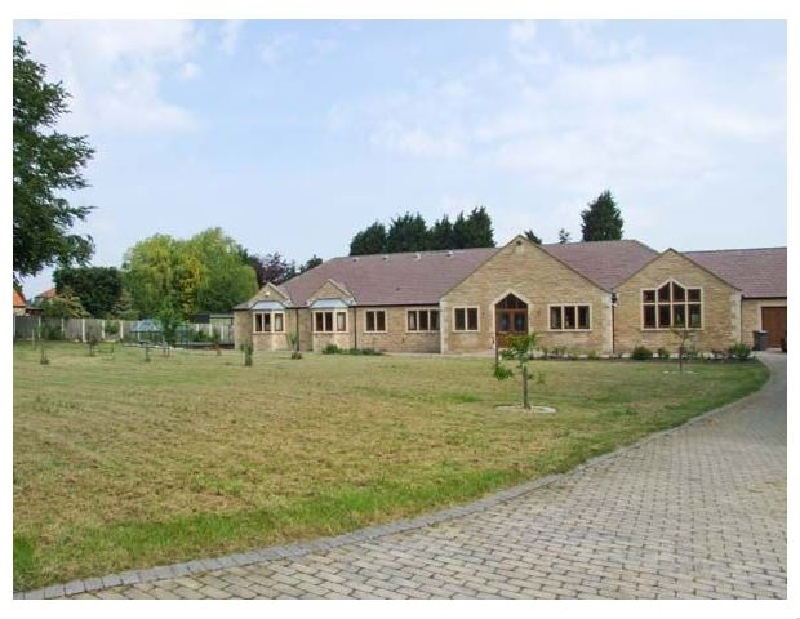Derbyshire Cottage Holidays - Click here for more about Manor House
