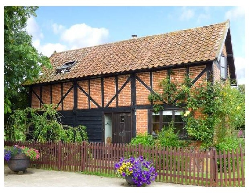 Norfolk Cottage Holidays - Click here for more about The Granary