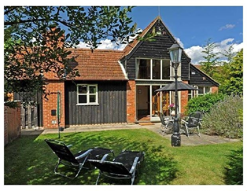 Norfolk Cottage Holidays - Click here for more about Woodman's Cottage