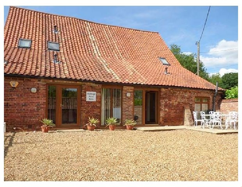 Norfolk Cottage Holidays - Click here for more about Hadleigh Farm Barn