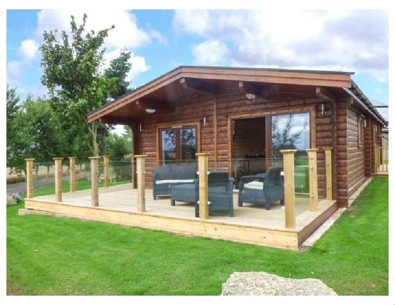 English Cottage Holidays - Heathcliff Lodge