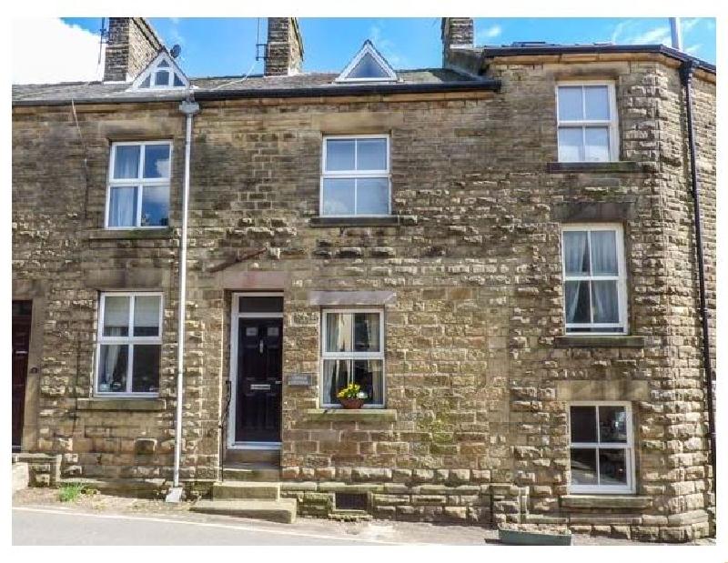 Derbyshire Cottage Holidays - Click here for more about Corner Cottage
