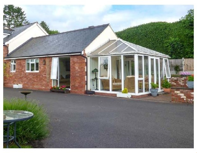 Shropshire Cottage Holidays - Click here for more about Kemps Eye Cottage
