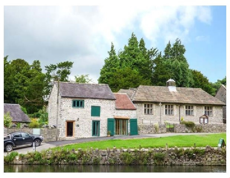 Derbyshire Cottage Holidays - Click here for more about Fire Brigade Barn