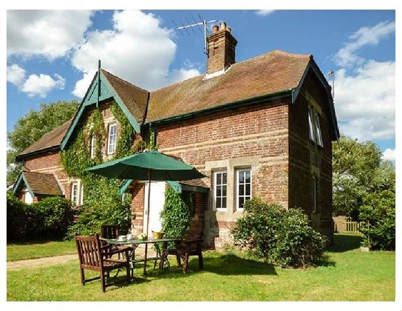 Suffolk Cottage Holidays - Click here for more about Ferry Cottage