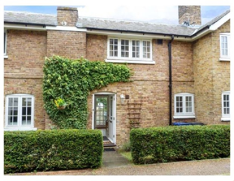 Kent Cottage Holidays - Click here for more about 9 Swallow Court