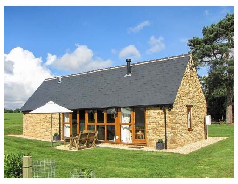 Oxfordshire Cottage Holidays - Click here for more about Hook Norton Barn