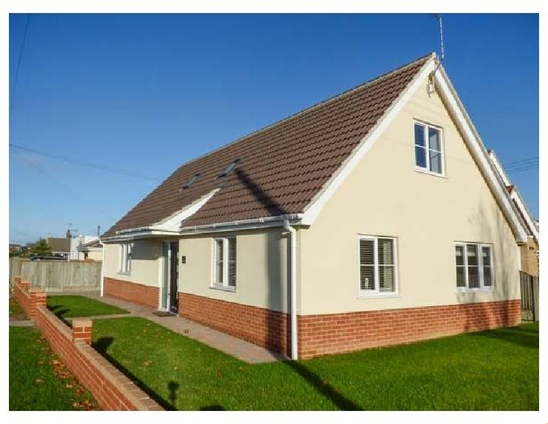 Norfolk Cottage Holidays - Click here for more about The Sandpiper