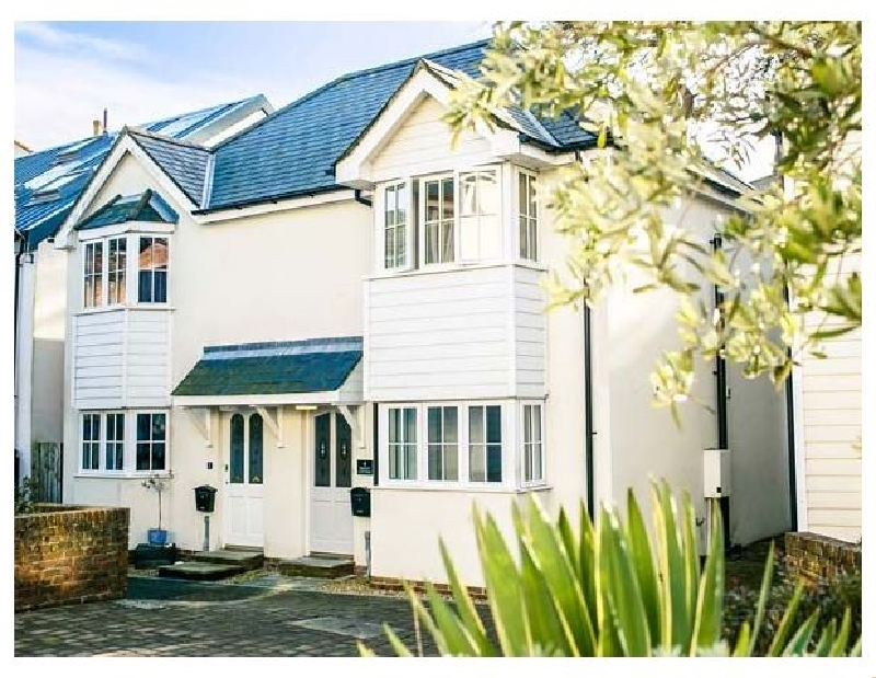Click here for more about Seasalt Cottage