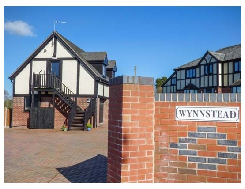 Shropshire Cottage Holidays - Click here for more about The Wynnstead Annexe