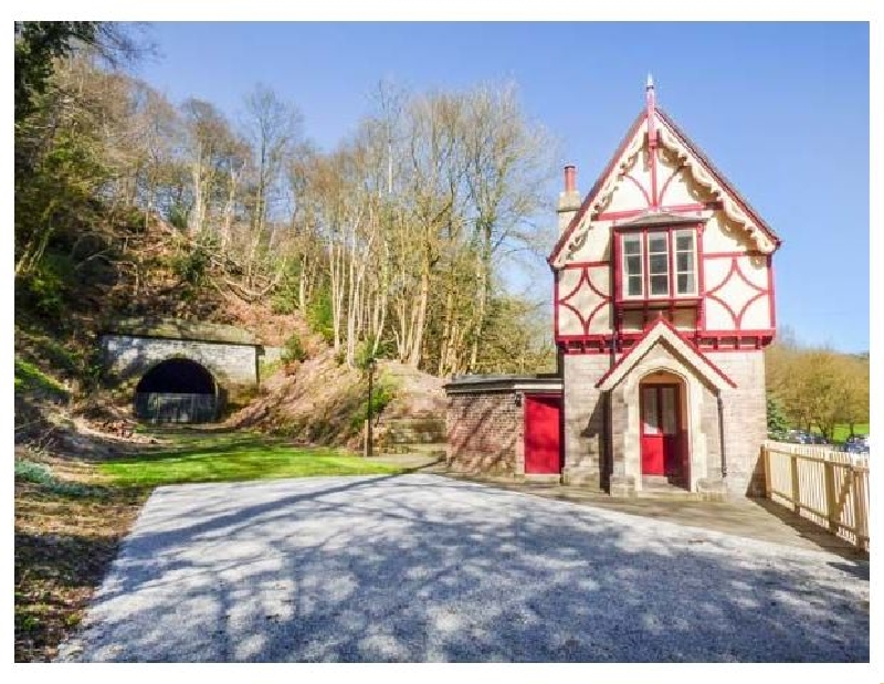 Staffordshire Cottage Holidays - Click here for more about The Gate House