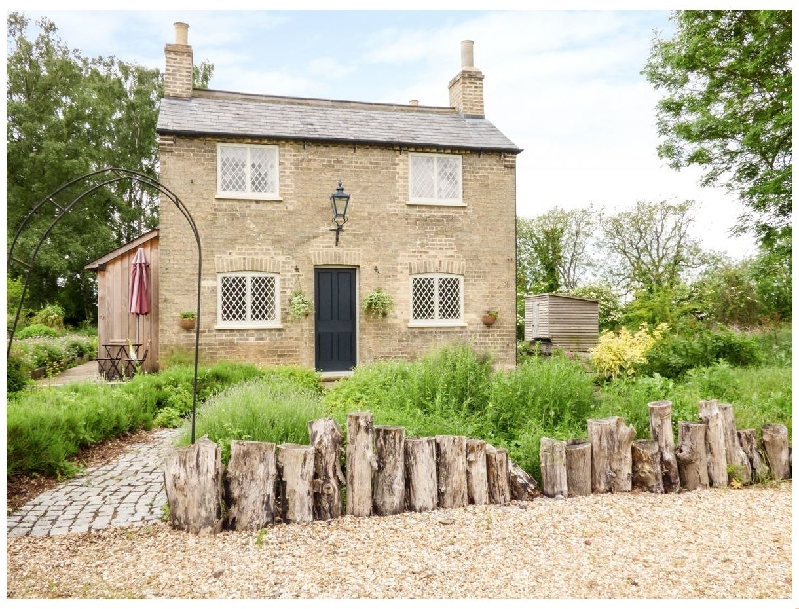 Bedfordshire Cottage Holidays - Click here for more about Shortmead Cottage