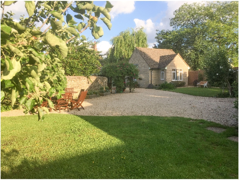 Wiltshire Cottage Holidays - Click here for more about Straw Paddock Cottage