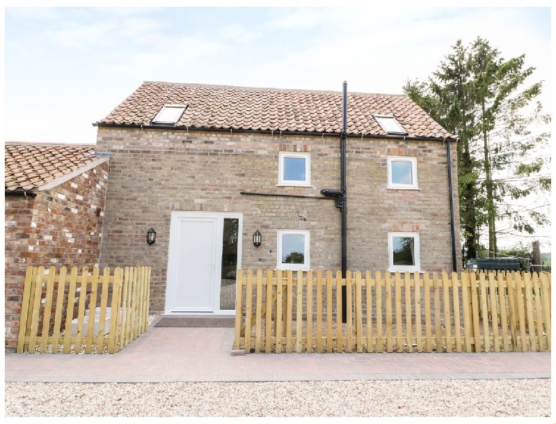Lincolnshire Cottage Holidays - Click here for more about Holly Cottage