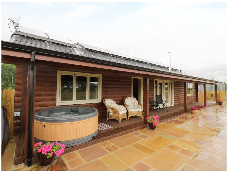 Oxfordshire Cottage Holidays - Click here for more about The Lodge