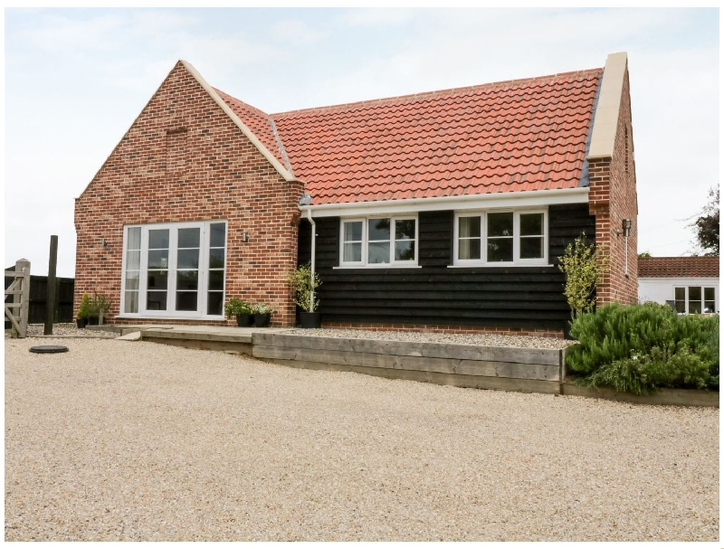 Norfolk Cottage Holidays - Click here for more about Mill House