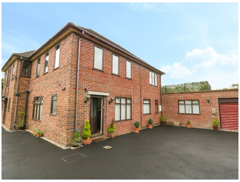 Staffordshire Cottage Holidays - Click here for more about Hunters Moon Annexe