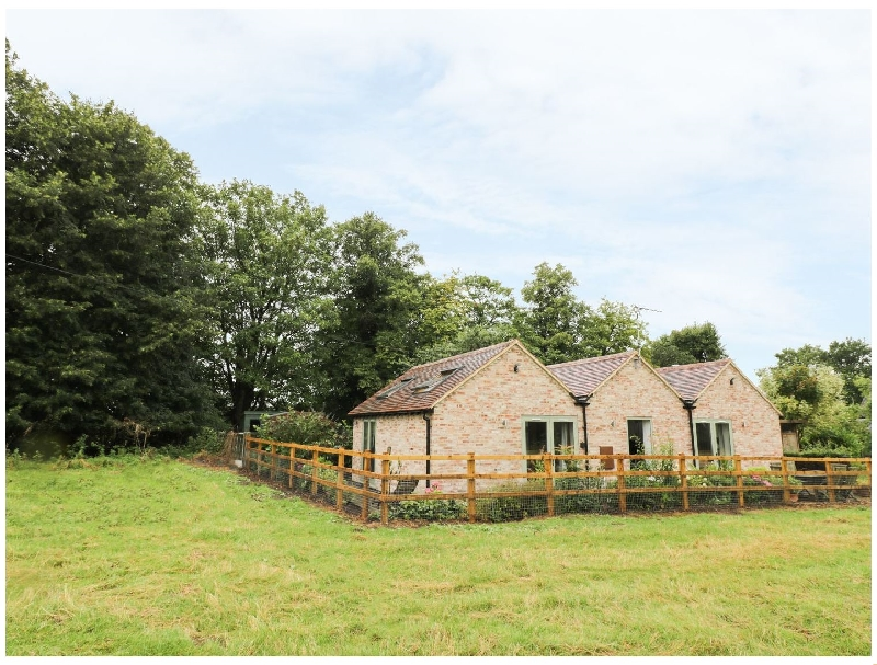 Warwickshire Cottage Holidays - Click here for more about The Retreat