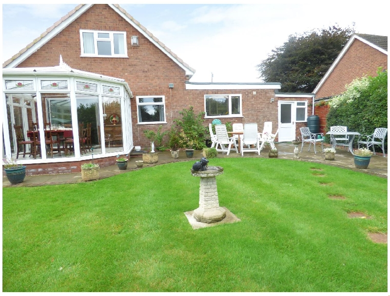 Cheshire Cottage Holidays - Click here for more about Ross House