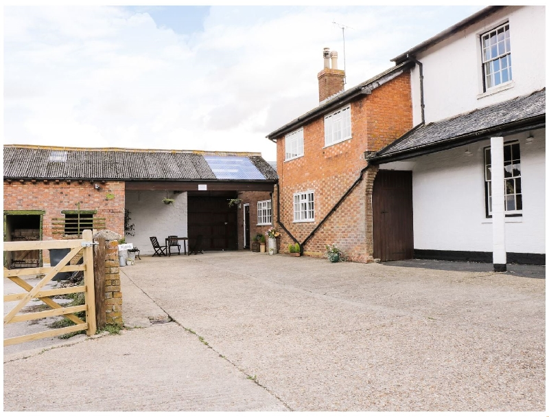 Bedfordshire Cottage Holidays - Click here for more about Redwood Cottage