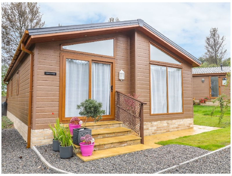 Gloucestershire Cottage Holidays - Click here for more about Liberty Lodge