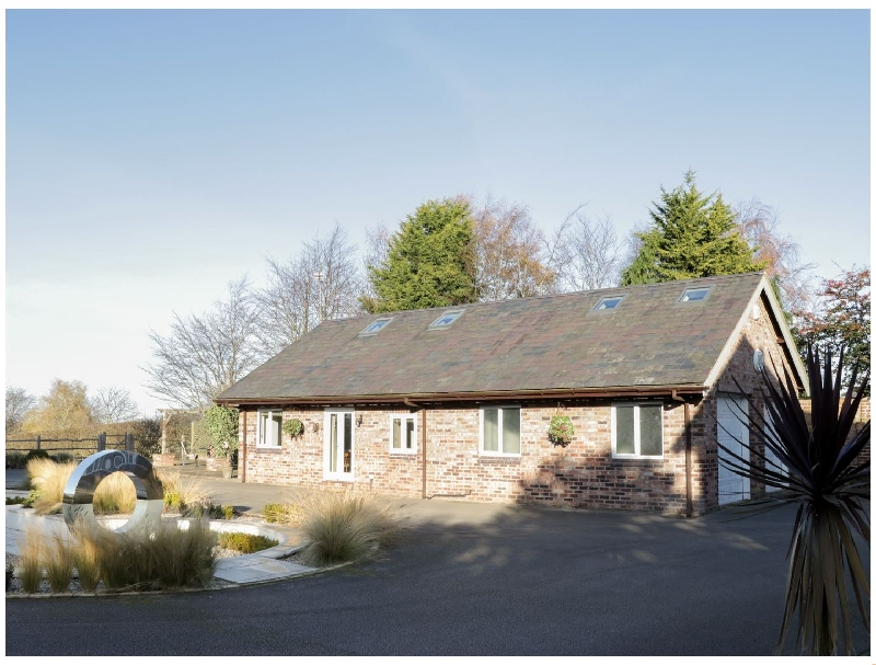 Cheshire Cottage Holidays - Click here for more about Hillside