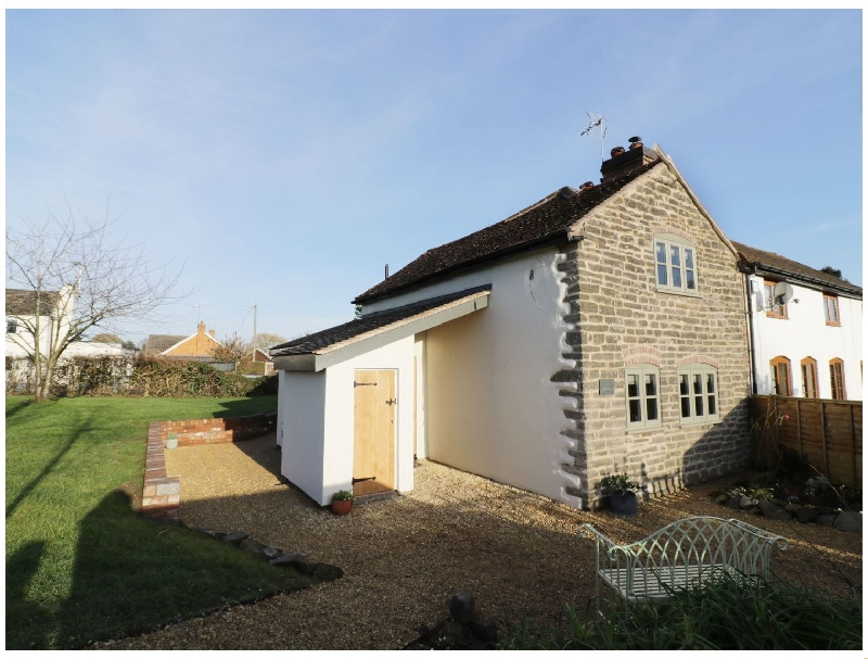 Worcestershire Cottage Holidays - Click here for more about Ivy Cottage