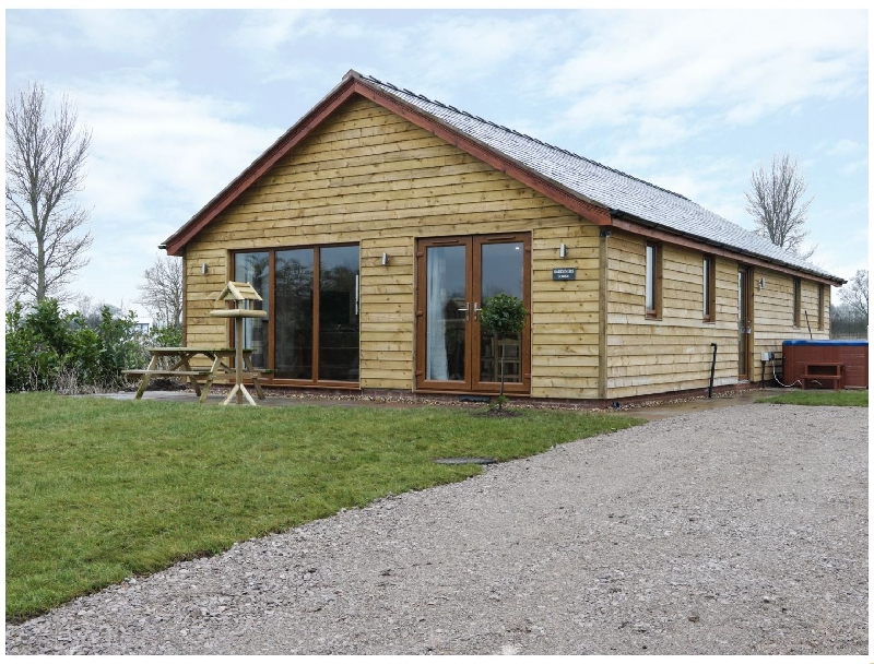Cheshire Cottage Holidays - Click here for more about Gardener's Lodge
