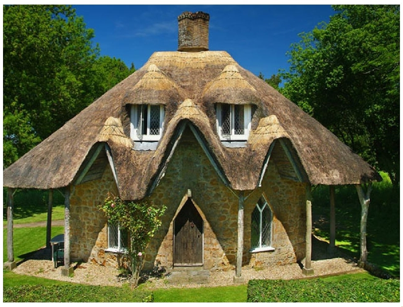 English Cottage Holidays - Gingerbread House
