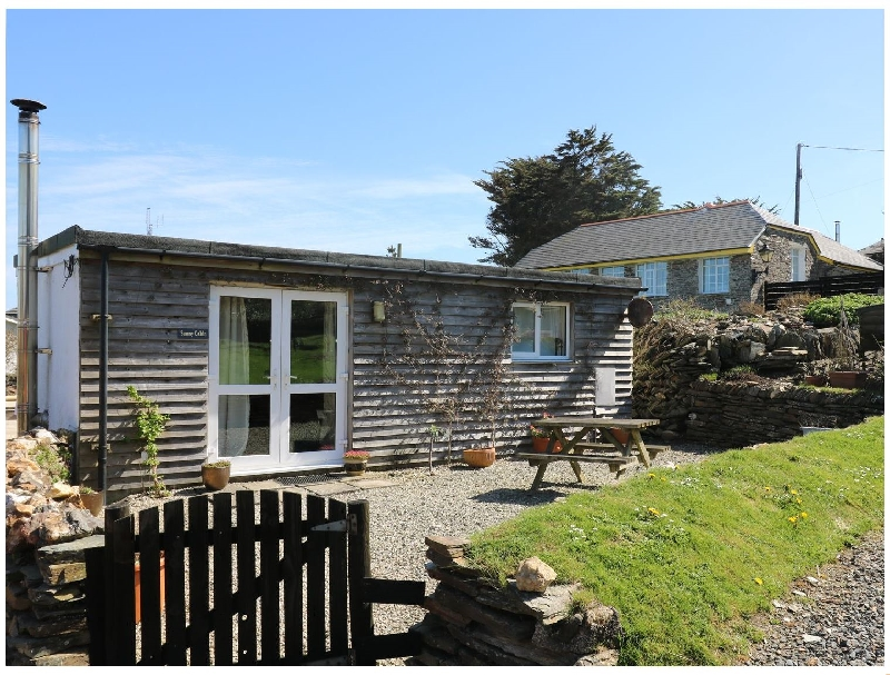 Cornwall Cottage Holidays - Click here for more about Sunny Cabin