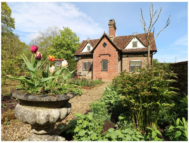 West Sussex Cottage Holidays - Click here for more about Keepers Cottage