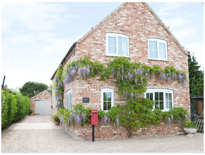 Lincolnshire Cottage Holidays - Click here for more about Wisteria House