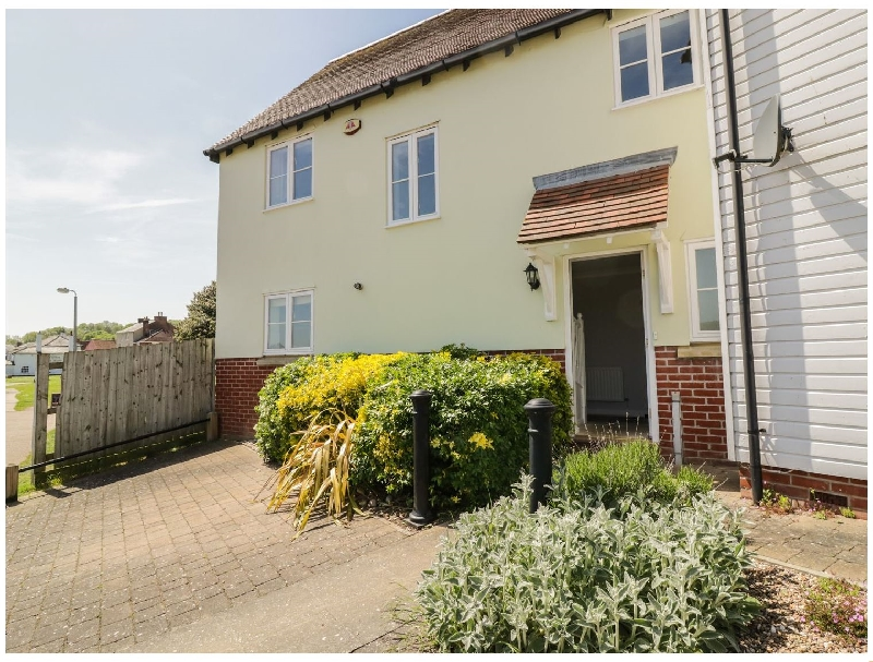 Essex Cottage Holidays - Click here for more about Ivy Cottage