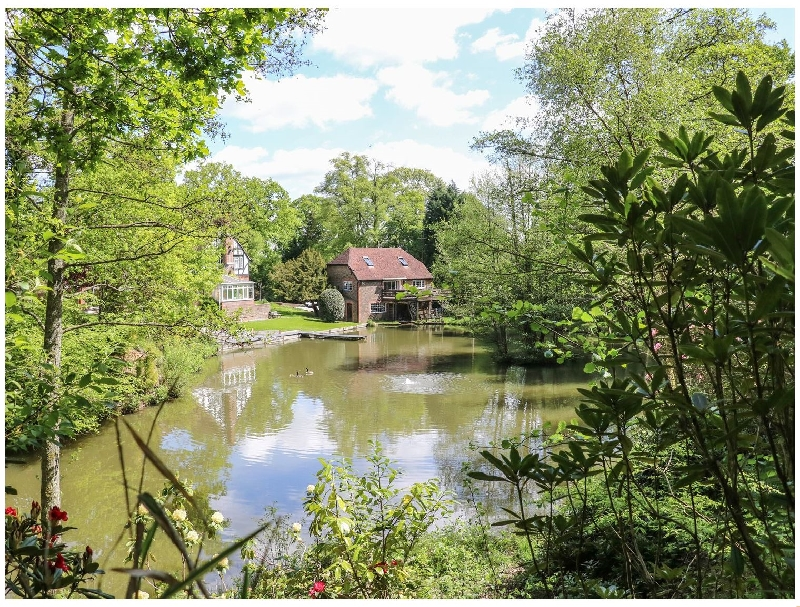 West Sussex Cottage Holidays - Click here for more about Miswells Cottages - Lake View
