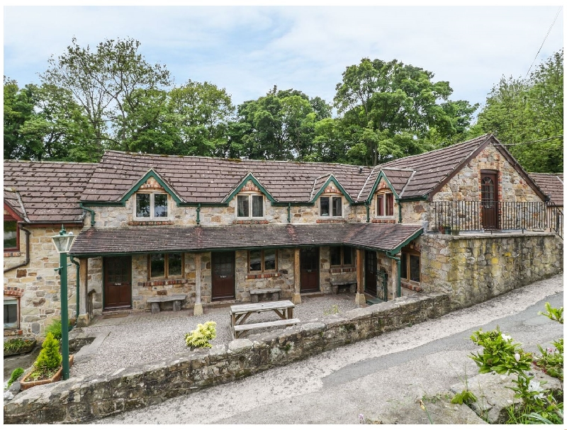 Denbighshire Cottage Holidays - Click here for more about The Bing