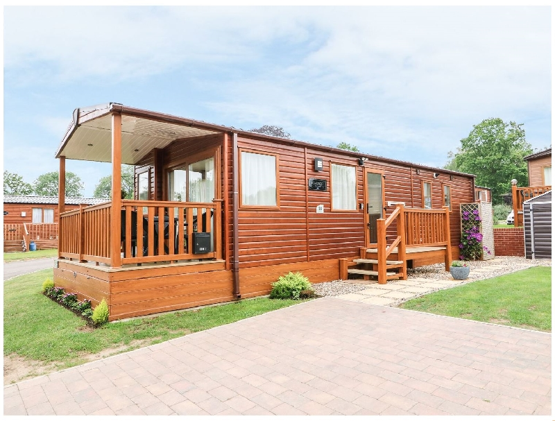 Norfolk Cottage Holidays - Click here for more about 18 Lake View
