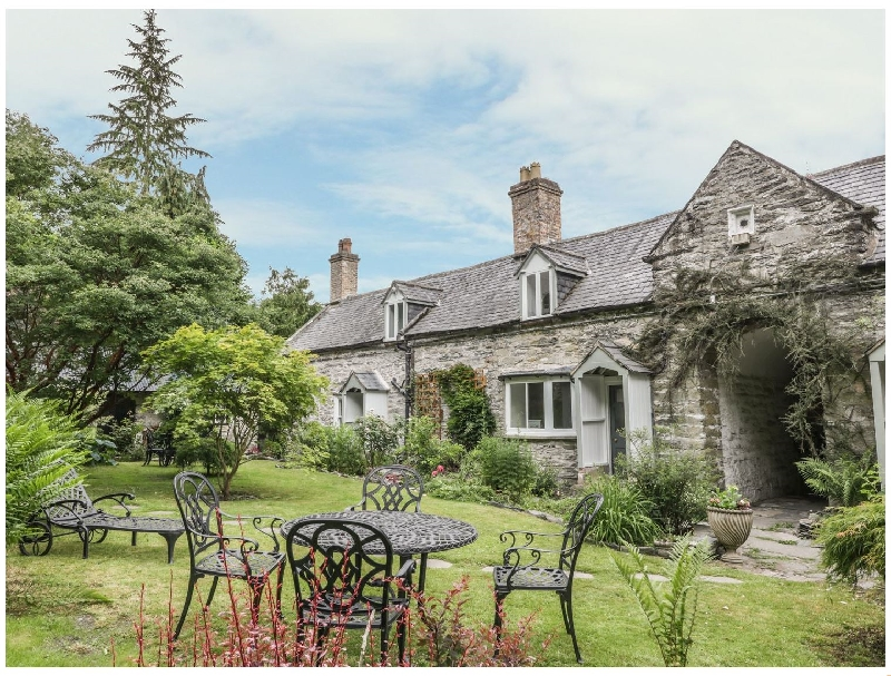 Denbighshire Cottage Holidays - Click here for more about College Cottage