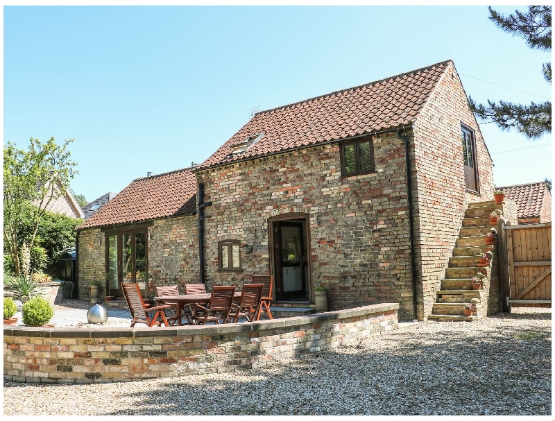Lincolnshire Cottage Holidays - Click here for more about Fair Lea Barn