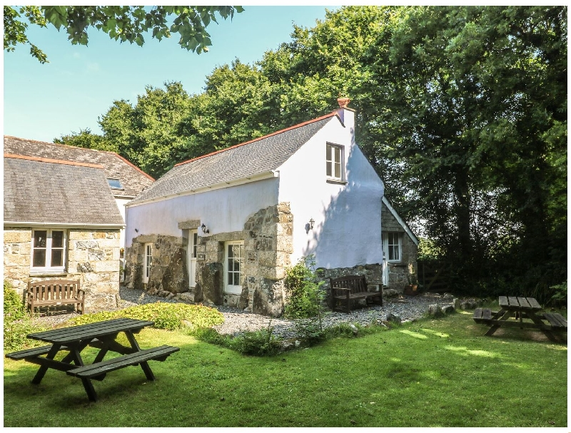 Cornwall Cottage Holidays - Click here for more about Longhouse